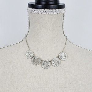 Jewelry - 🆕Silver filigree medallion necklace